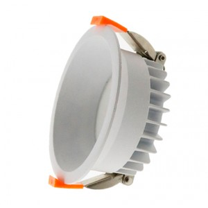 Foco Downlight LED Luxtar 15W (UGR 19)